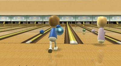 Auch beim Bowling ist die Konzentration und der zielgenaue Wurf des Spielers gefordert.
